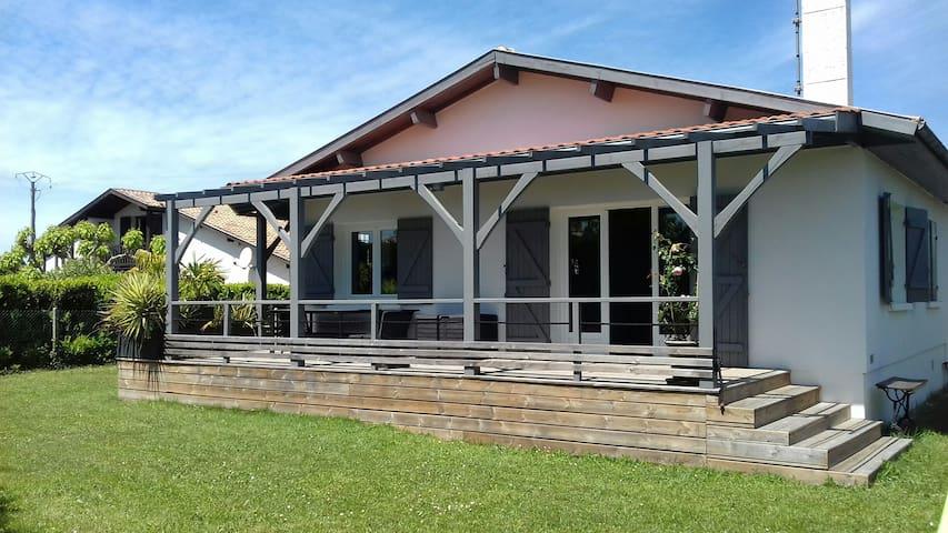 Belle maison arcachonnaise - La Hume