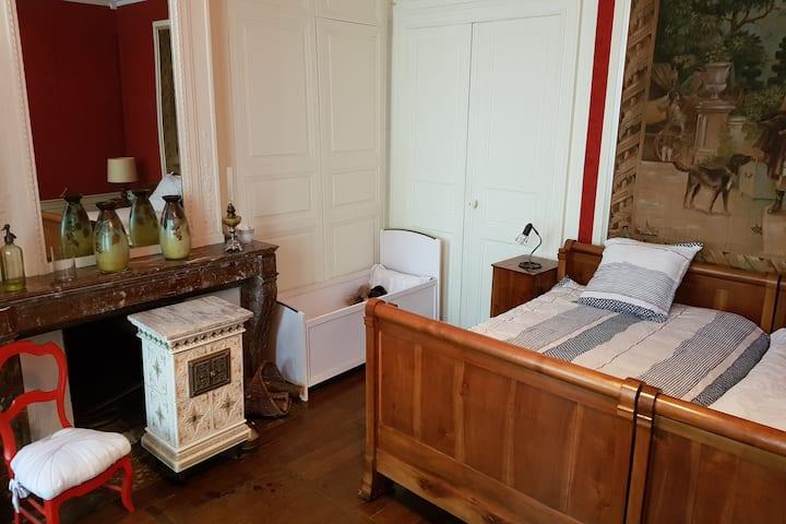 "Chez Marygrise : chambre ""Gobelins"""