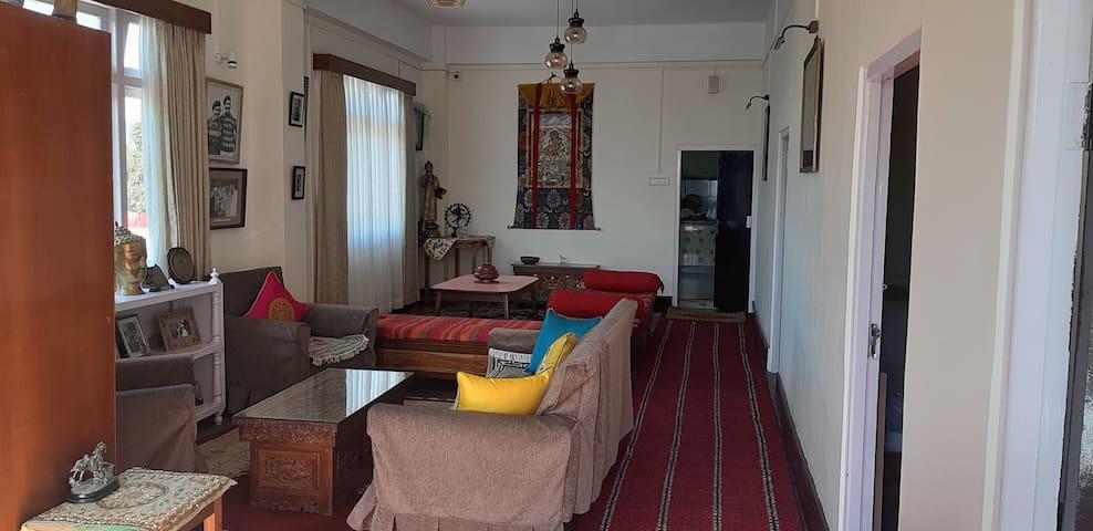 Villa Gombu