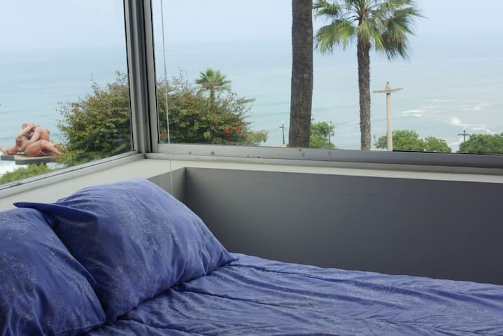 Watch the sea from your bed! - Miraflores - Apartment