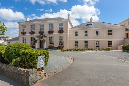 Albany Apartments, St Peter Port, Guernsey - Huoneisto
