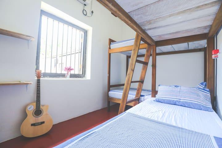 4 Bed Female Dorm with En-Suite