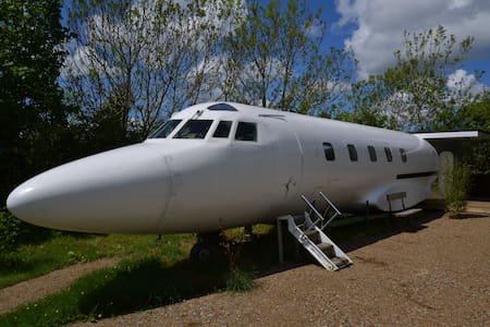 The Jet Star  (Private Jet)