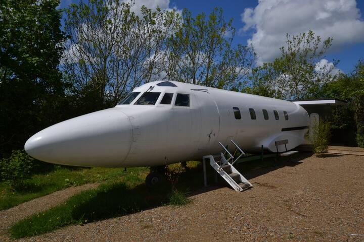The Jet Star  (Private Jet)