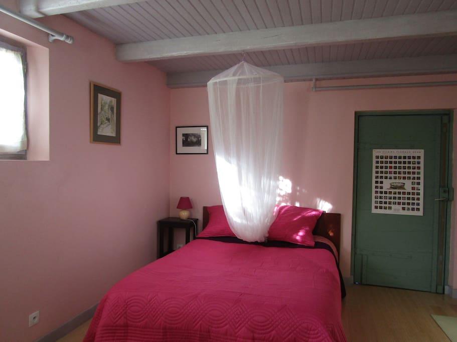 chambre ren char villas louer saint tienne les orgues provence alpes c te d 39 azur france. Black Bedroom Furniture Sets. Home Design Ideas