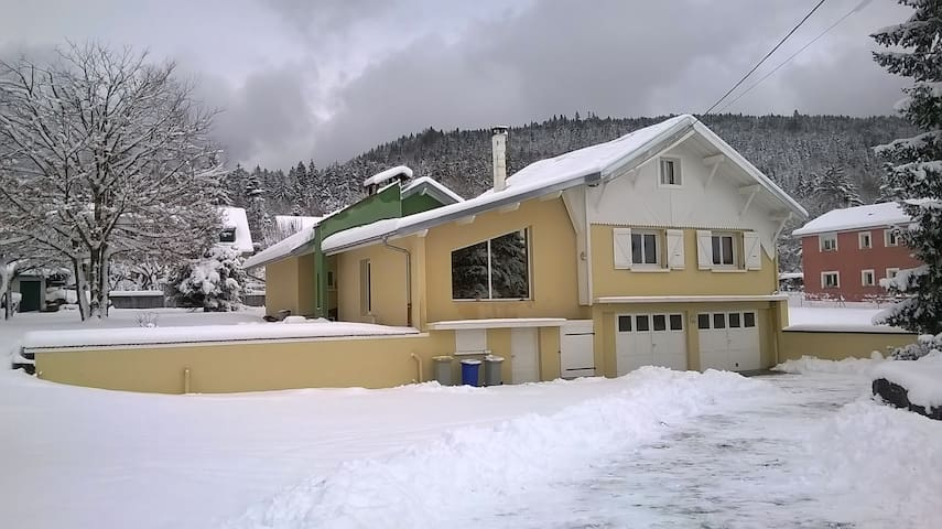 Sous Nierme - Oyonnax - Rumah