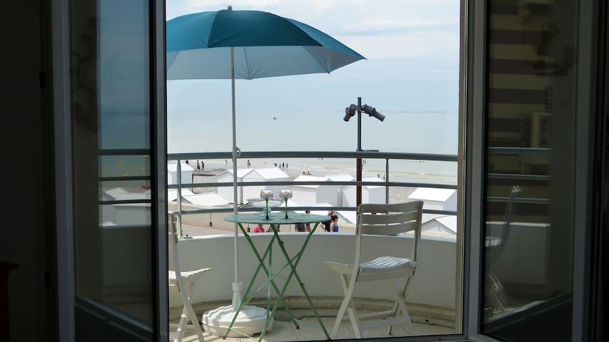 Ballade Romantique 3* face à la mer et plage