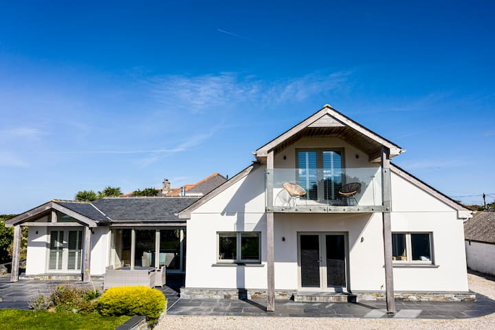 Stunning St Merryn Home, close to Constantine Bay