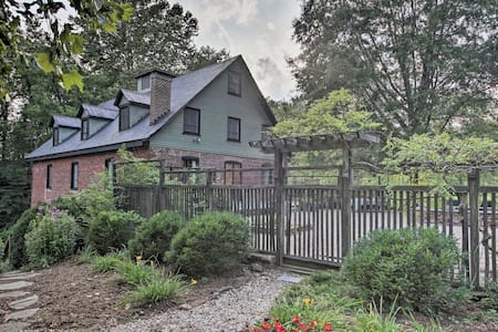 Rustic Home at Warren Mill - Quiet Rural Retreat!
