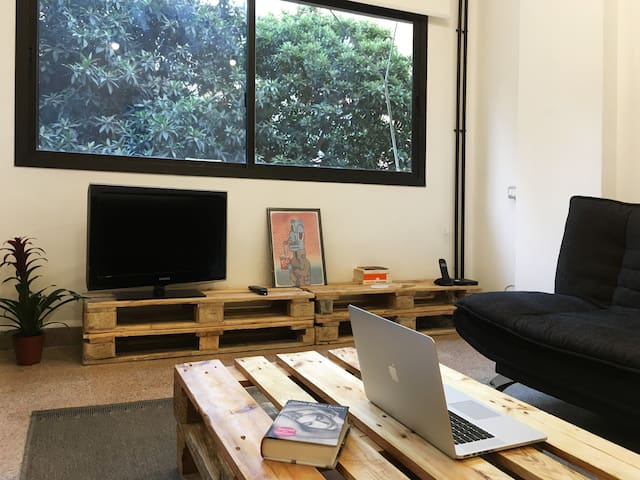 Cozy Apartment in Mar Mikhael