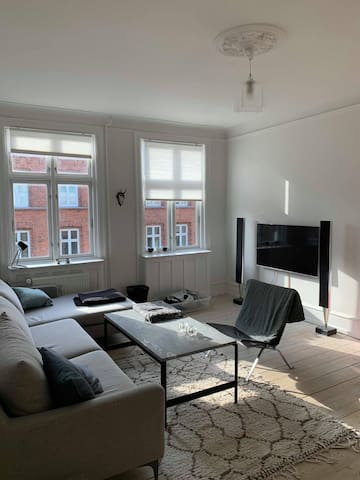 Bright and modern apartment - inner Østerbro!