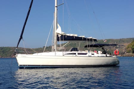 Bavaria 40 Yacht and Skipper. - Phuket Thailand