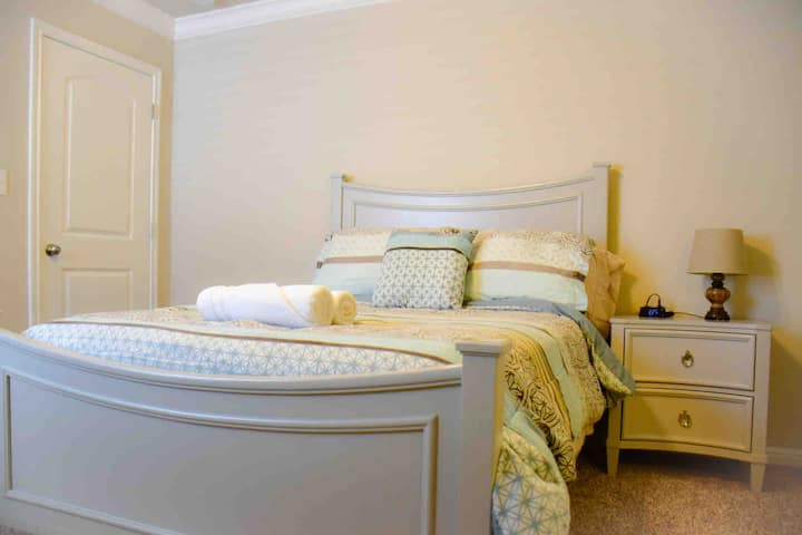#2C Cute room near Dell (15% off for monthly)