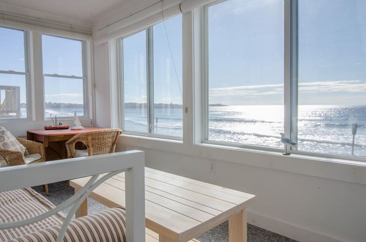 Sun and Air: Directly on the Beach - York - Huis
