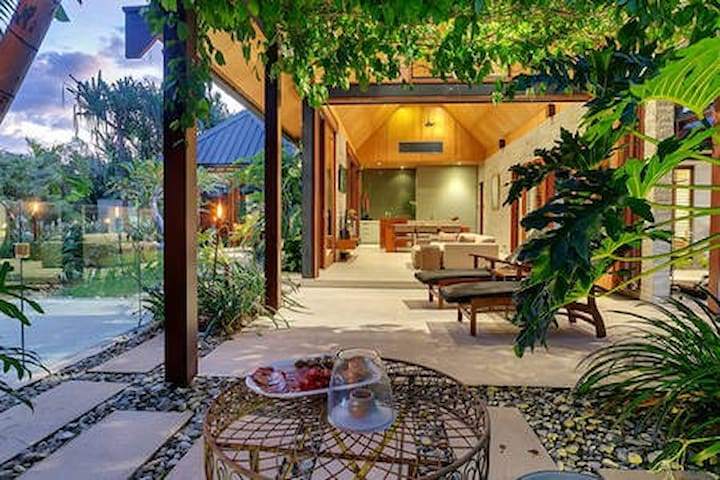 Perfect Romantic  Retreat for a Special Occassion