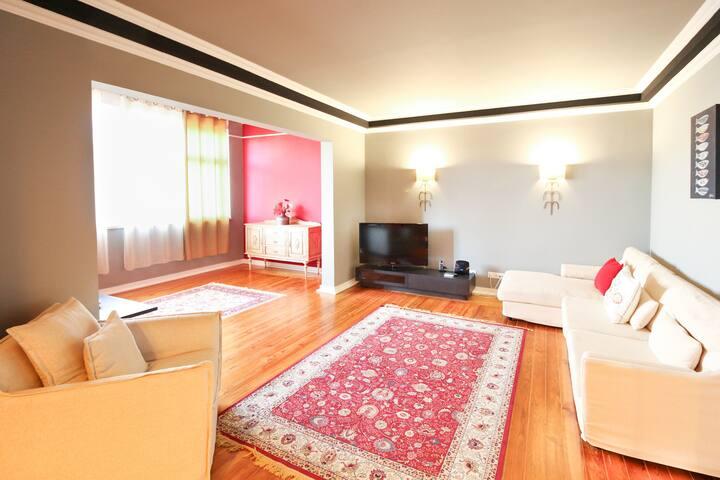 Spacious 5 bedroom apartment