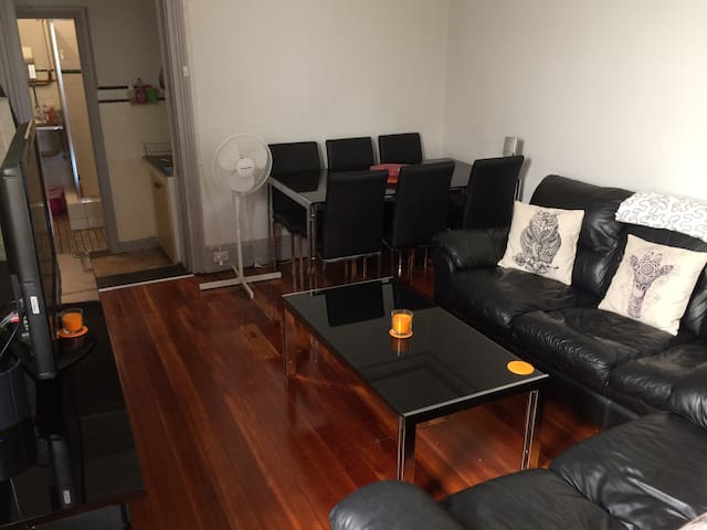 Lovely flat, quiet area near city - Stanmore - Lejlighed