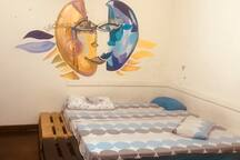 Spacious room in artistic house + bicycles rental