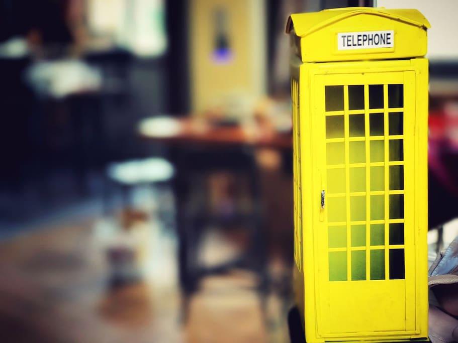 客厅:有趣的铁艺电话亭,找回曾经的童贞