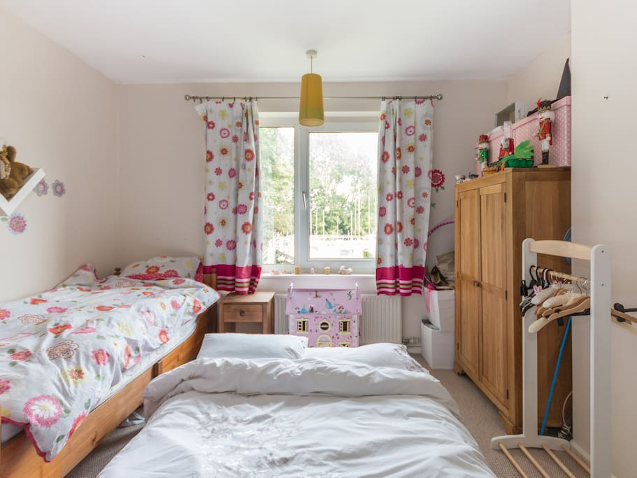 This room can be set up flexibly, with 2 singles, or an additional blow up double mattress on the floor depending on the make up of your group. Children can feel free to play with the toys/activities in the room.