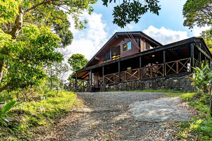 Cabin in the Izumi forest