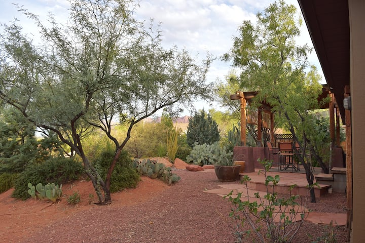 Desert Oasis and Spa - Zion, Tuacahn & Snow Canyon