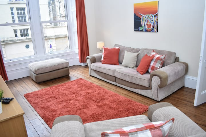 Beautiful and Spacious 2BR flat near the meadows