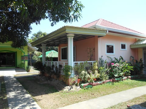 """""""Cozy Guest House #1"""" in IBA, HS Internet"""