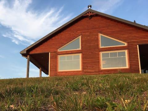 山脊小屋、現代木屋、室外熱水浴缸
