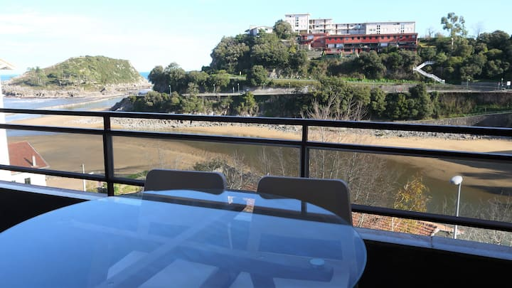 Lekeitio. Next to Beach (50m). Views +GARAGE +WIFI