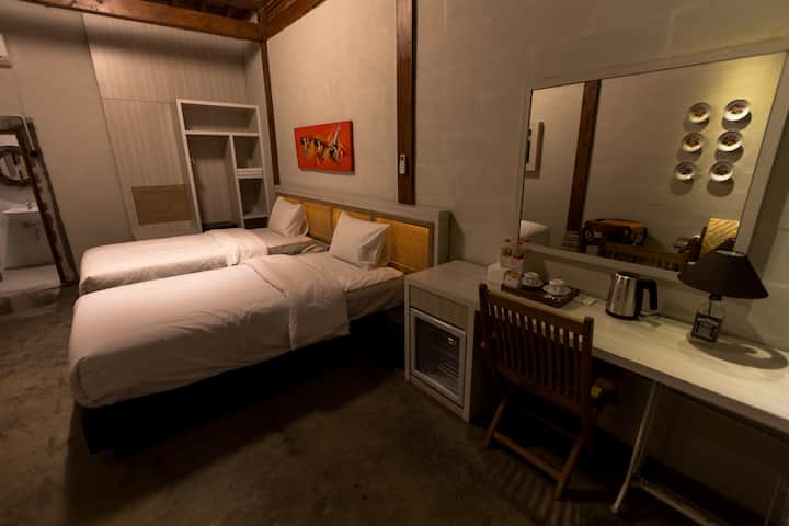 Kampung Lawasan Heritage Cottage twin bed