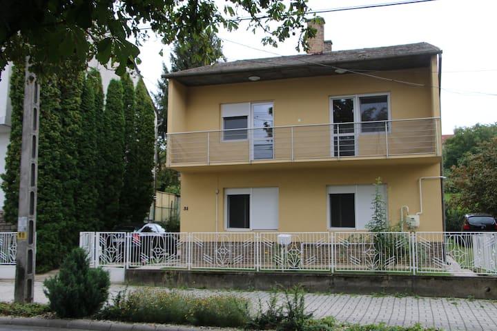 Zrínyi Apartman, Hévíz, 6 fő részére - Hévíz - House