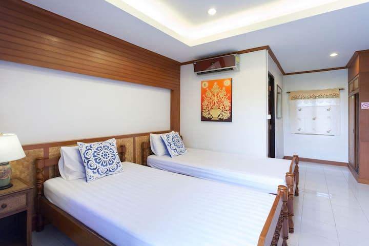 Little Home 依偎在护城河边的泰式小院 双床房间C2 2晚以上6点到晚上12点机场免费接送