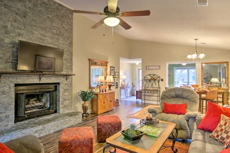 Cozy Greenwood Condo w/ Patio - 2 Mi to Downtown!