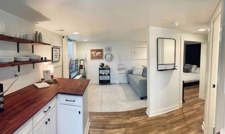 Hamilton House Studio in heart of WeHo