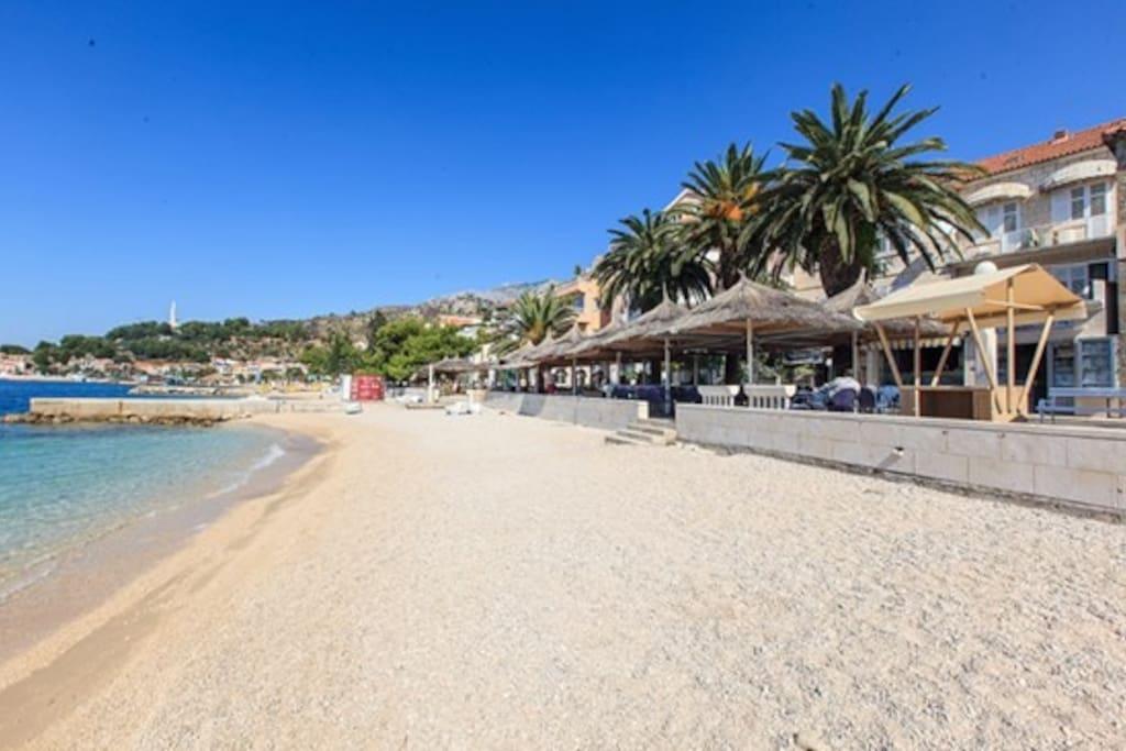 Beach, Reataurnats, Caffe bars