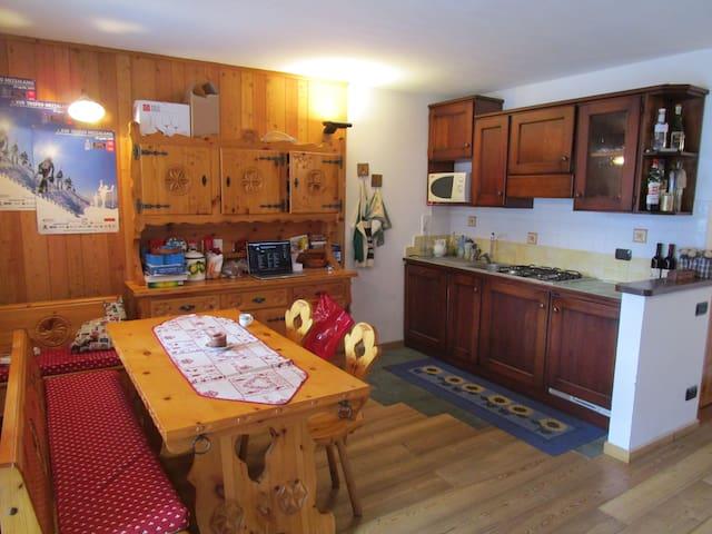 Cosy shared flat  Appartamento condiviso - Champoluc - อพาร์ทเมนท์