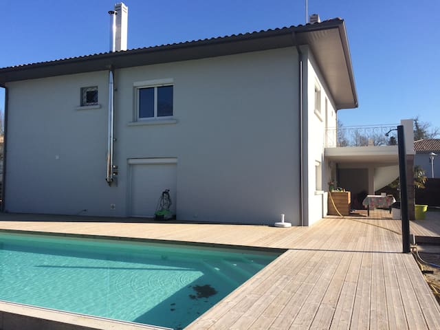 2 classical bedrooms near Bordeaux and Arcachon