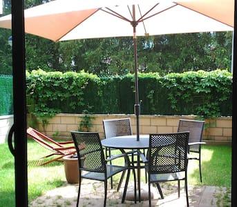 Can Pep-Acogedor Apartamento con jardin privado