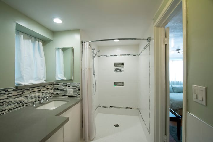 Private room in Kensington with views of the bay - Kensington - Ház