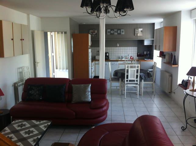 Maison 75m2 2CH+terrasse àSt-Quay, plage-port 150m
