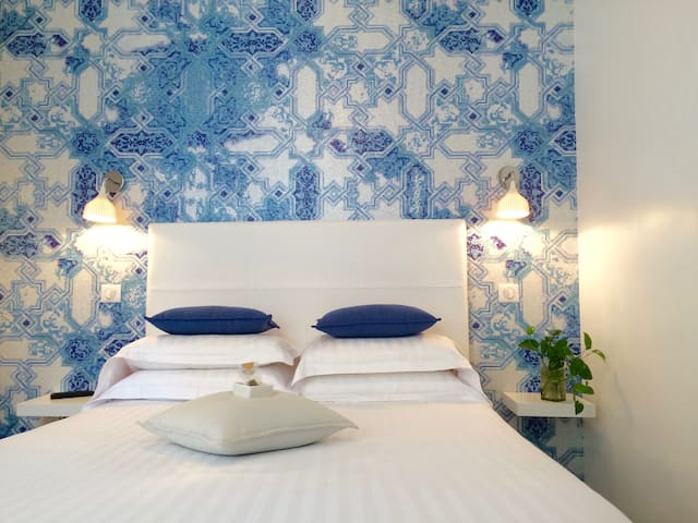 Chambre double dans villa Belle Epoque
