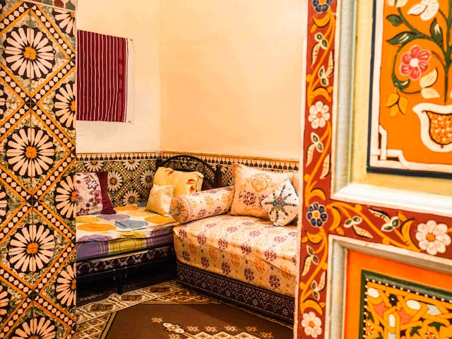 """Fatima"" room in authentic house"