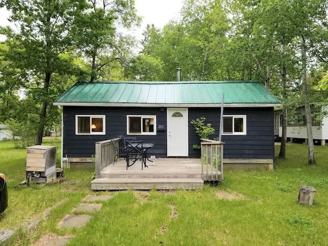 Cute and Cozy Cottage in the Heart of Grand Marais