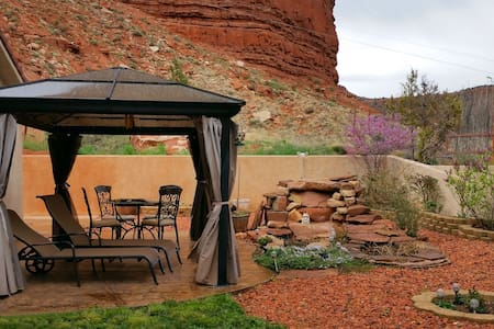 By Zion National Pk,Bryce,Grand Canyon,Lake Powell - 卡納布(Kanab) - 度假屋