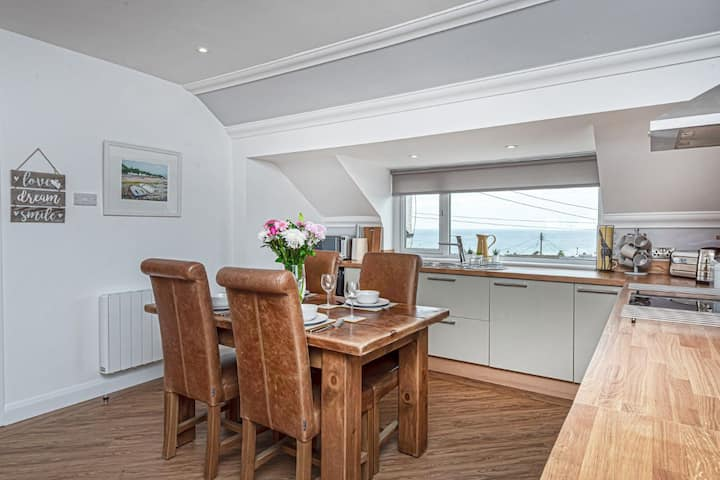 Benllech Bay Holiday Apartment