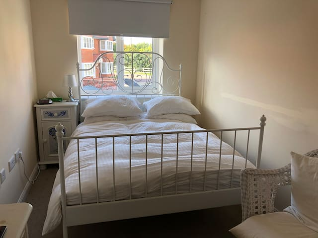 1 Double room in Cuddington