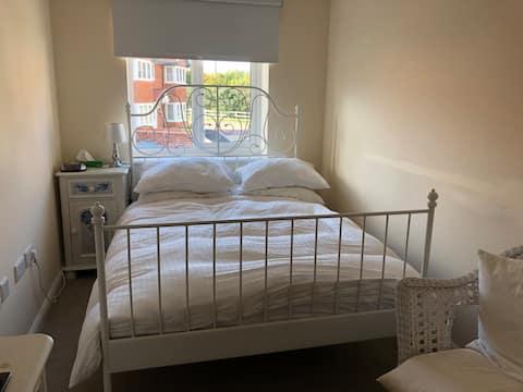 1 Double room in Cuddington