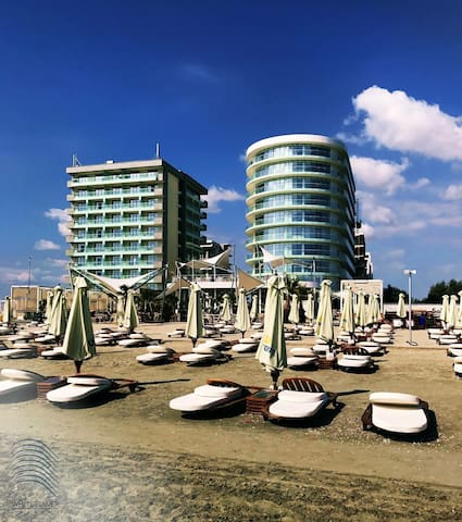 Beach Apartment Mamaia near sea