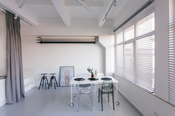 Contemporary & Minimalistic Studio Apartment